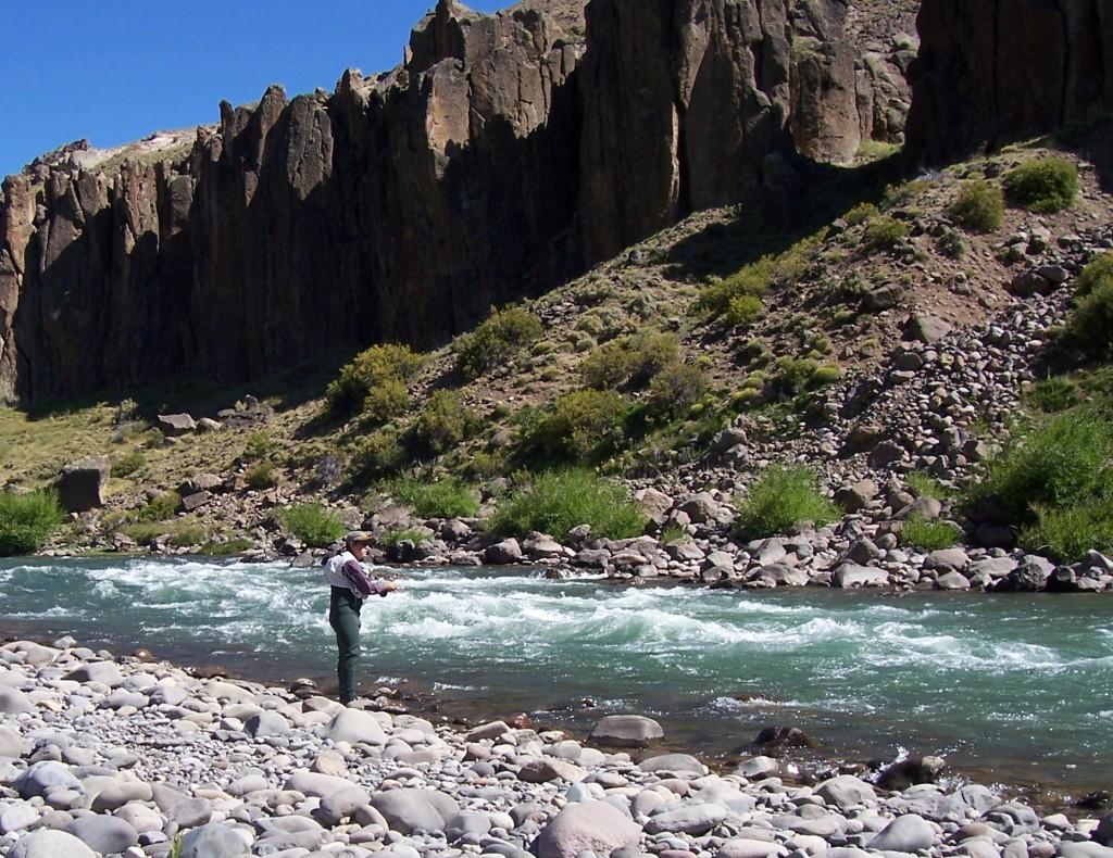 Pesca en el Río Neuquén - Manzano Amargo 2